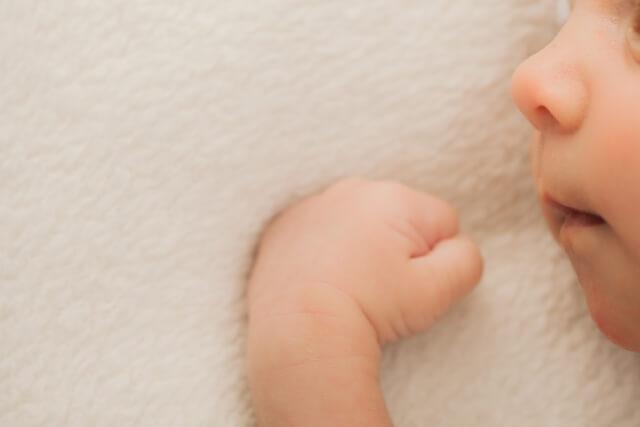 授乳中に赤ちゃんが寝る