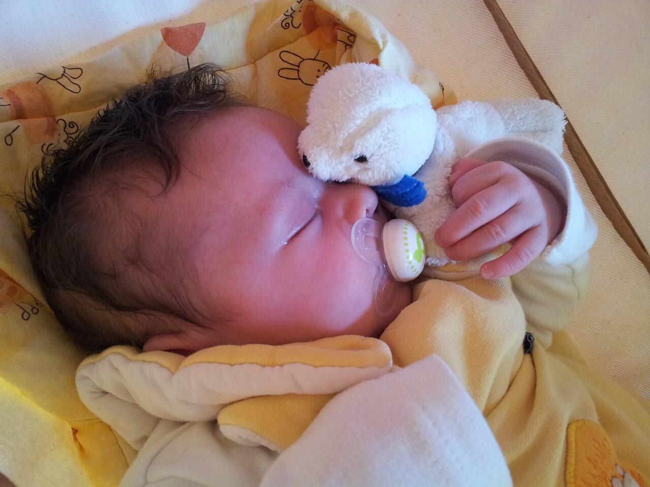 新生児の吐き戻しが多い