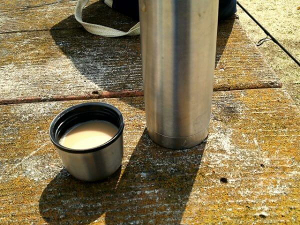 牛乳と水筒
