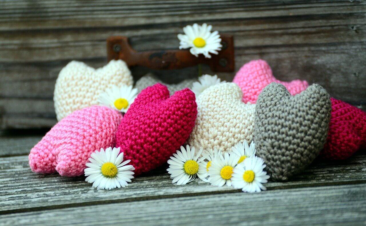 ハートの編み物